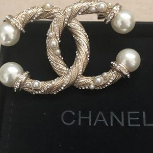 Authentic Chanel Twist Pearl Brooch